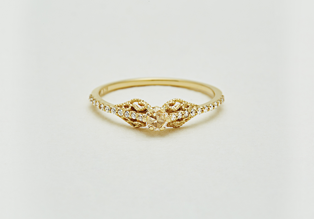 """Engagement ring-E-001〔 Ivy Diamond Ring 〕"""" Among many flowers and trees and plants. """" /K18YG 270,000~"""