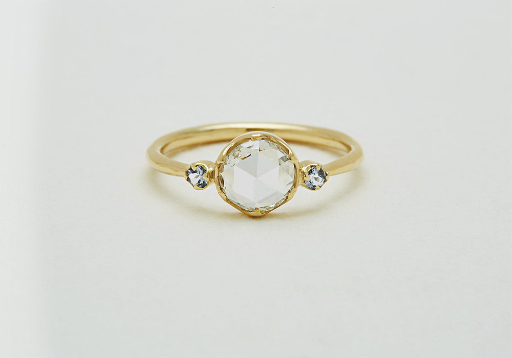 "Engagement ring-E-004〔 Something Blue Diamond Ring 〕"" Amulet thet can be happy. "" /K18YG 250,000~"