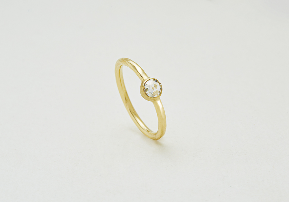 """Engagement ring-E-006〔 Solitaire Simple Ring 〕"""" Wrapped with pure love. """" /K18YG 170,000~"""